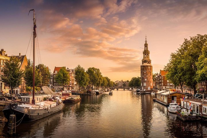 Private Arrival Transfer: Amsterdam Airport to Amsterdam City Center in Luxury Van, Amsterdam, HOLLAND