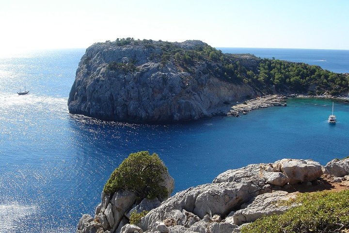 Day Cruise by a Sailing Yacht to the most beautiful bays or Rhodes (Small Group), Rhodes, Grécia