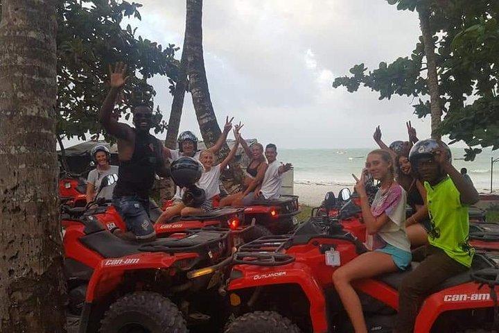 Quads tour, Zanzibar, Tanzânia