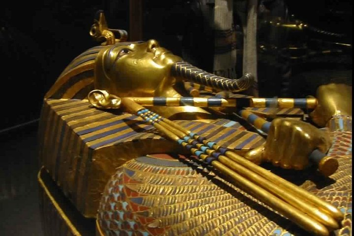 Private Full-Day Tour to Giza Pyramids & Egyptian Museum & Bazaar with Lunch Inc, El Cairo, EGIPTO