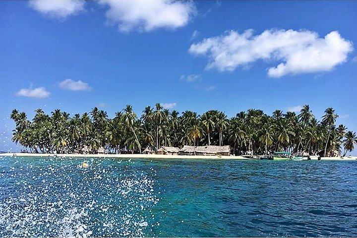 San Blas Islands - Shared Cabin on Isla Aroma 2D & 1N PLUS San Blas Day Tour, Islas San Blas, Panama
