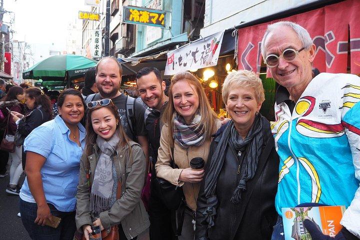 Tokyo Tsukiji Outer Market Walking Tour and Rolled Sushi Class, Tokyo, JAPON