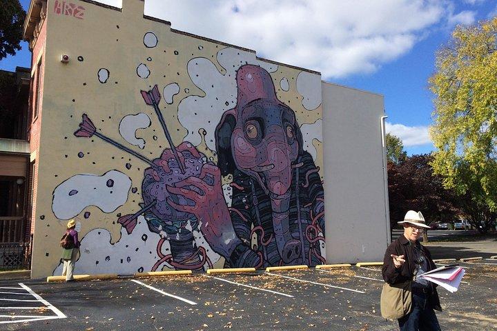 Would I Lie To You? Mural Walks, Richmond, VA, ESTADOS UNIDOS