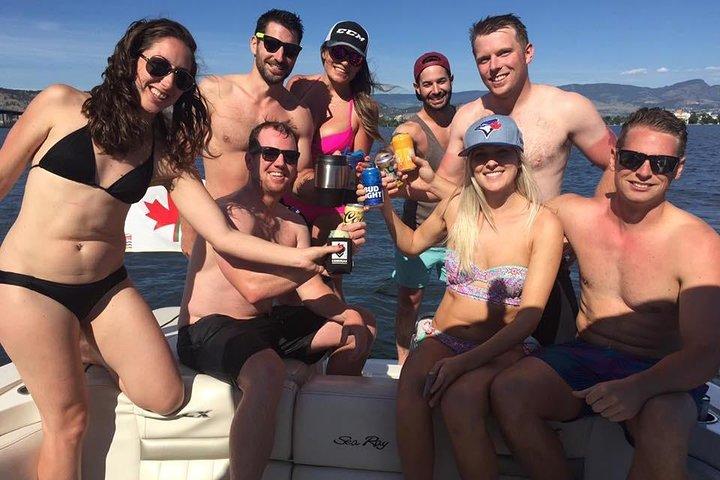 Kelowna Private Boat Charter: Seven-Hour Fun in the Sun, Kelowna y Okanagan Valley, CANADÁ