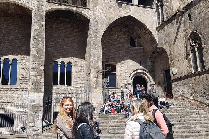 Barcelona Highlights Small Group Tour with Hotel Pick Up, Barcelona, Espanha