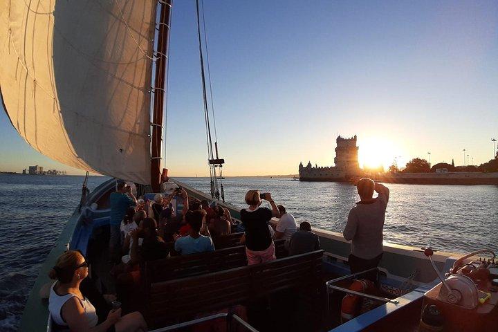 Lisbon Traditional Boats - Sunset Cruise, Lisboa, PORTUGAL