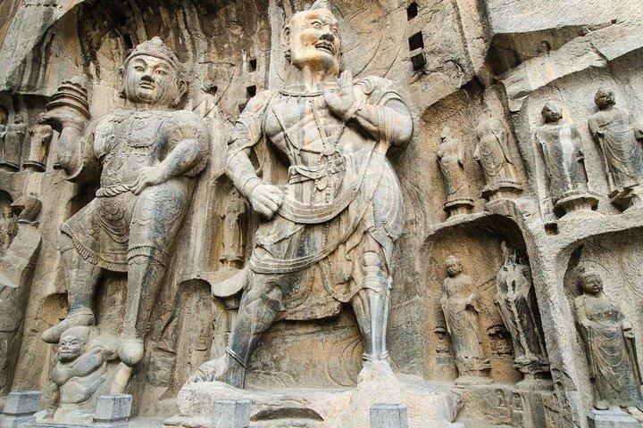 2-Day Zhengzhou Private Tour: Yellow River, Erqi Square, Shaolin Temple, Longmen Grottoes, Zhengzhou, CHINA