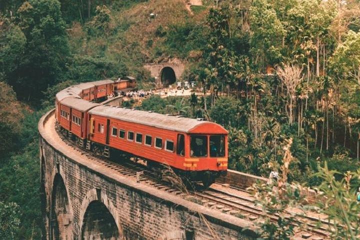 Train tickets from Ella to Kandy, Nuwara Eliya, SRI LANKA