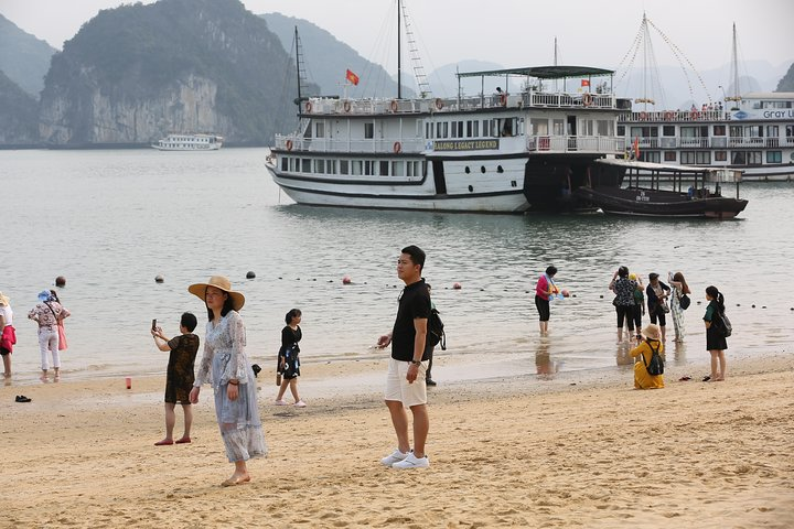 Halong Bay Full Day Cruise with Lunch and Round Trip On The Newest Highway, Halong Bay, VIETNAM