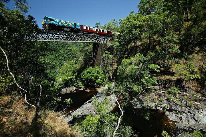 Kuranda tour via Skyrail and Kuranda Scenic Rail - small group tour, Cairns y el Norte Tropical, Austrália