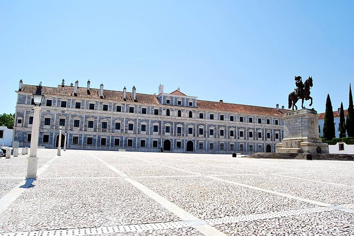 Évora Transfers & Guide Tours, Distrito de Setúbal, PORTUGAL