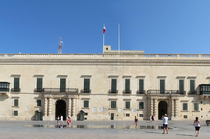 Valletta (UNESCO) guided tour, Malta Experience (included), Cathedral (optional), ,