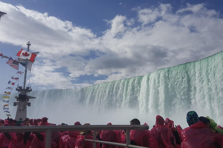 Niagara Falls Full Day Air Tour, Boat and Land Tour, Winery Tasting from Toronto, Toronto, CANADA