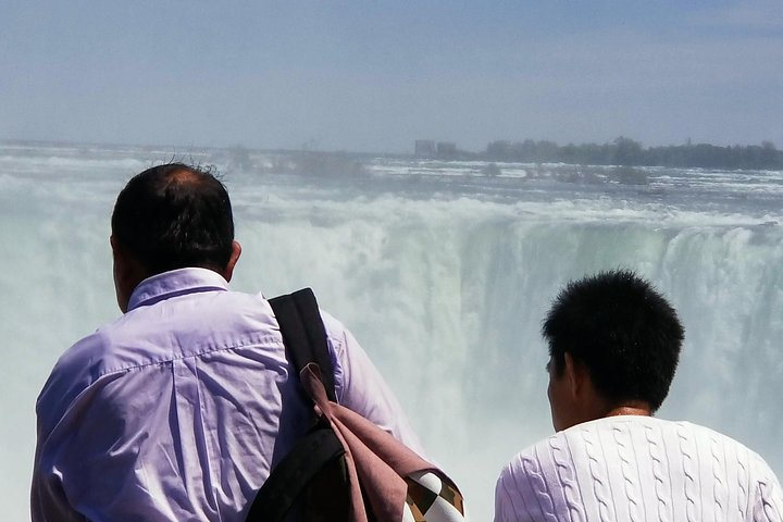 Mississauga to Niagara Falls Luxury Sightseeing Day Trips with Hotel Pickups, Toronto, CANADA