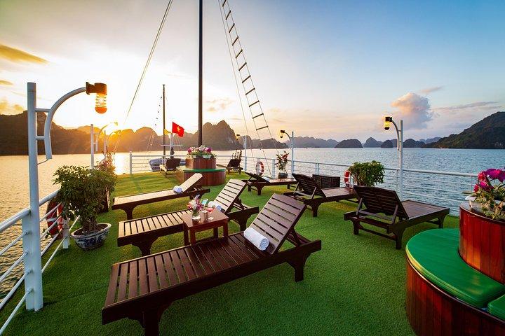 2 Days Full Range Cruises-Meals,Kayak,Hiking,Cooking class,Tickets,Taichi, Hanoi, VIETNAM