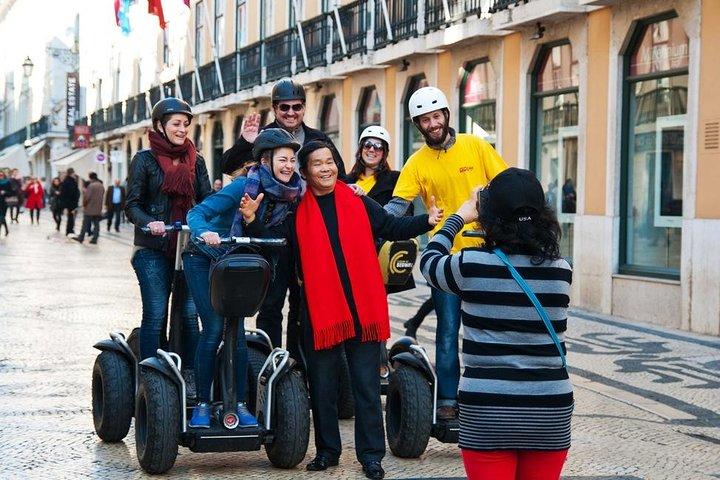Excursión en grupo pequeño por la Lisboa medieval en segway, Lisboa, PORTUGAL