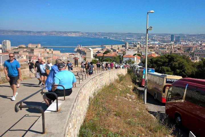 Aix en Provence, Marseille and Cassis Tour, Toulon, FRANCIA