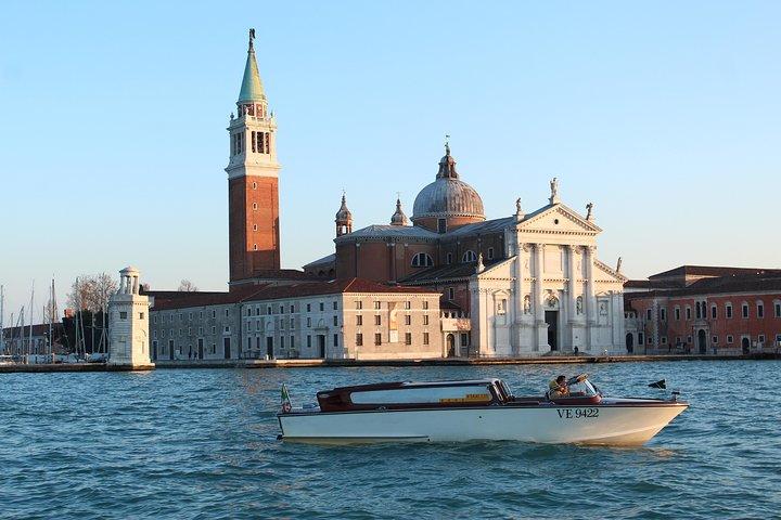 Traslado privado de salida: Hoteles de Venecia al aeropuerto de Treviso, Venecia, ITALIA
