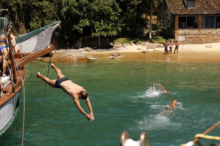 Cruzeiro de Escuna e Mergulho com Snorkel em Paraty, Paraty, BRASIL