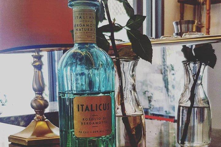 The Best of Alberobello Walking Tour and Rosolio Tasting, Alberobello y Locorotondo, ITALIA