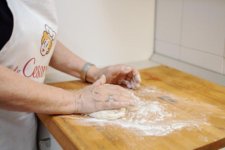 Private Pizza & Tiramisu Class at a Cesarina's home with tasting in Fasano, Alberobello y Locorotondo, ITALIA