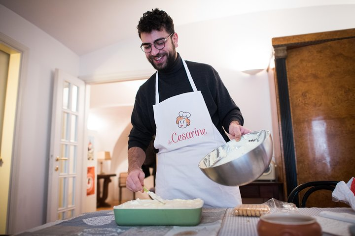 Private Pasta & Tiramisu Class at a Cesarina's home with tasting in Langhe, Langhe-Roero y Monferrato, Itália