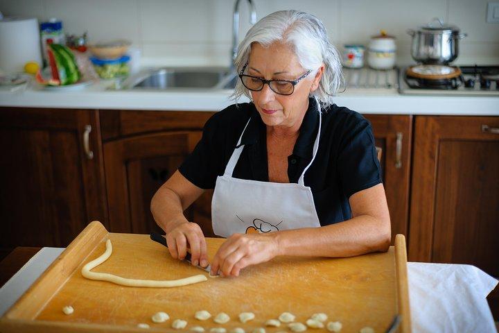 Share your Pasta Love: Small group Pasta and Tiramisu class in Alberobello, Alberobello y Locorotondo, ITALIA