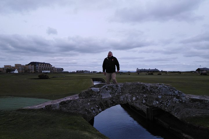 Golf, Whisky and Palaces (A