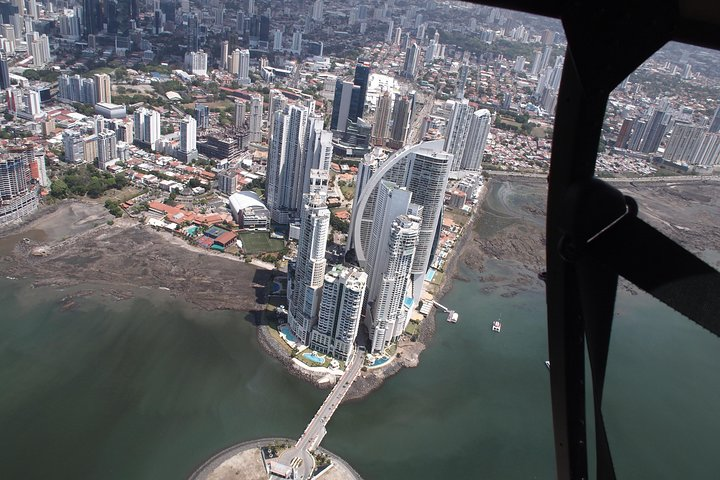 Canal of Panama by Helicopter, Gamboa, PANAMÁ