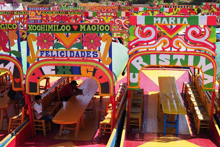 The Floating Flower Gardens Of Xochimilco with a Local: Private & Personalized, Ciudad de Mexico, MÉXICO