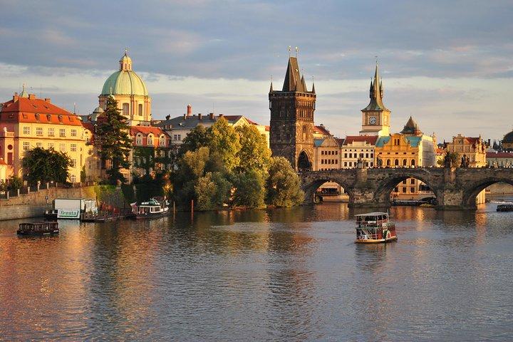 Transfer Berlin-Prague or Prague-Berlin, with optional 2 hours visit to Dresden, Berlin, GERMANY