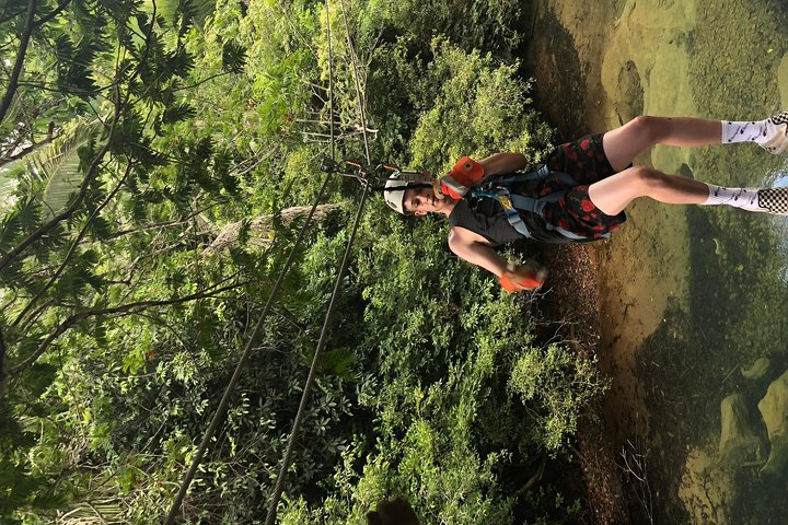 Aventura de Tubing na Caverna e de Tirolesa da Cidade de Belize, Ciudad de Belice, Belize