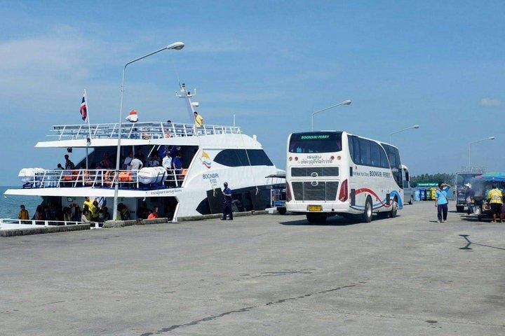 Trat to Koh Mak by Boonsiri High Speed Catamaran, Ko Chang, Tailândia