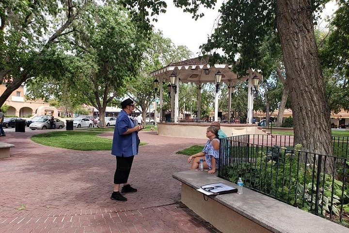 12pm - Public High Noon History, Legends & Lore Tour - Guided Old Town Stroll, Albuquerque, NM, ESTADOS UNIDOS