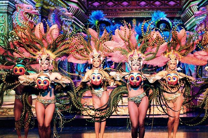 Paris Moulin Rouge Show with Exclusive VIP Seating & 4-Course Dinner, Paris, França
