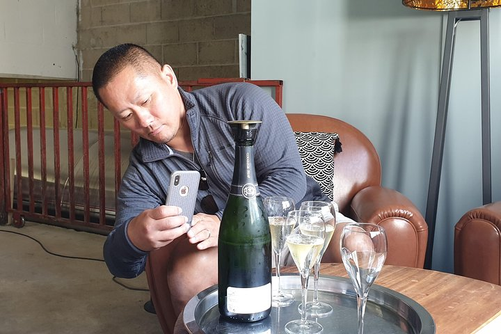 Private Champagne big wineries tour, Reims, FRANCIA