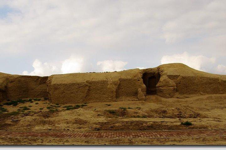 Private Day Tour to Beshbalik City Ruins or Beiting Old City from Urumqi, Urumchi, CHINA
