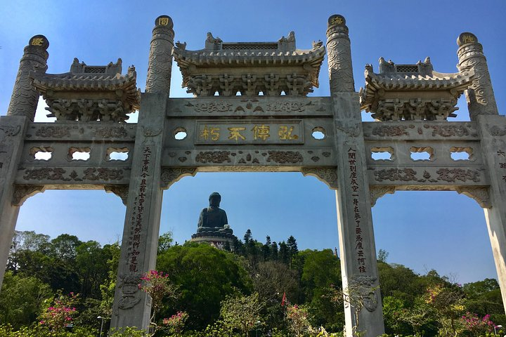 Tour grupal Buda Gigante y Tai O en español en grupo pequeño, Hong Kong, CHINA