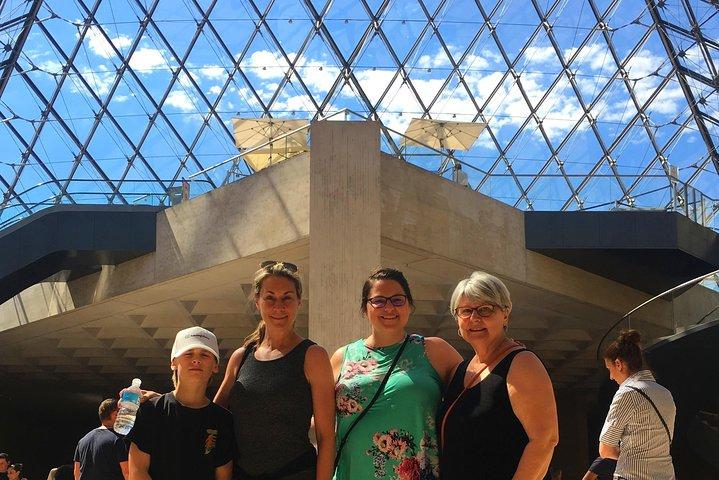 Kids and Families Skip-the-Line Private Louvre Tour in Paris, Paris, França