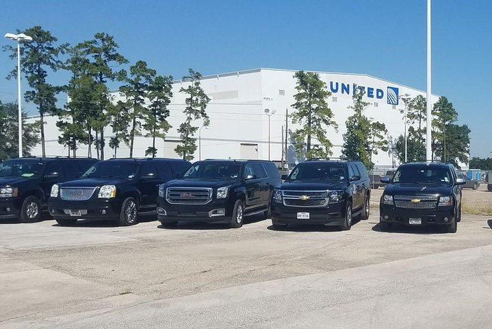Car from Houston to Lafayette,Black SUV Houston IAH airport - Lafayette, LA, ,