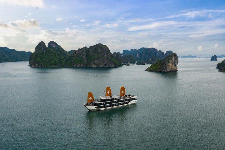 2 Days and 1 Night Halong Bay Luxury Genesis Regal Cruises, Halong Bay, VIETNAM