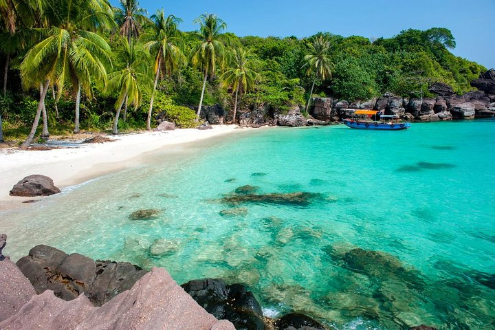 Private Premium Snorkeling Tour by Speedboat with Pick-up (Optional), Phu Quoc, VIETNAM