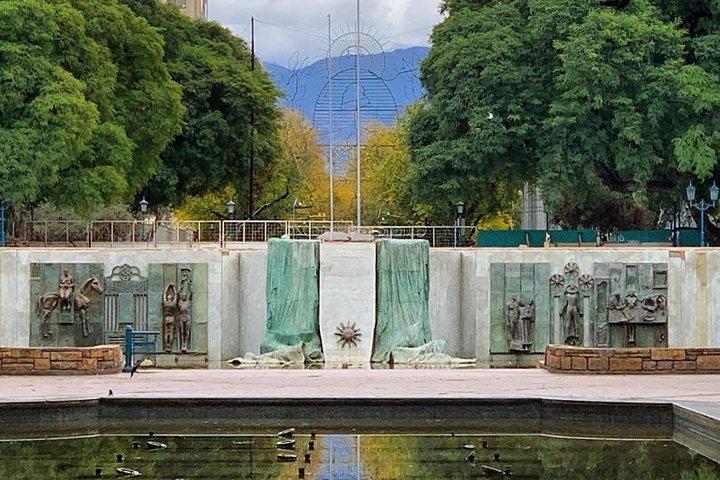 Walking City Tour, Mendoza, ARGENTINA