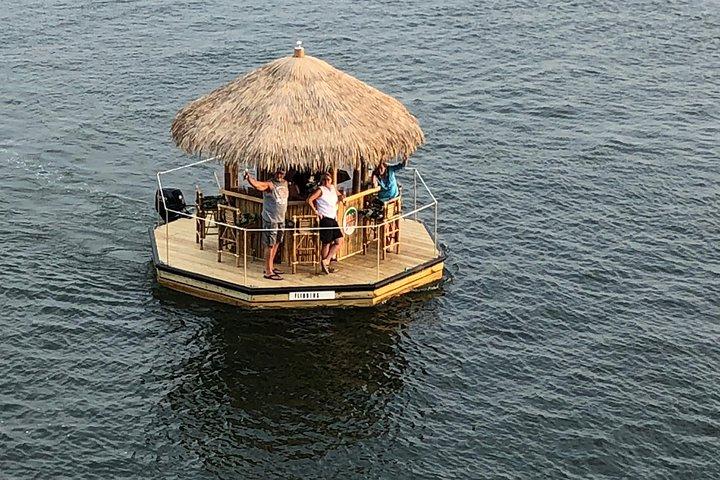 Tiki Harbor Sightseeing Cruise, Destin, FL, ESTADOS UNIDOS