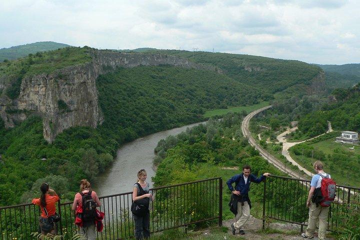 Escapada de un día a la natural maravilla de Saeva Dupka, Los Ojos de Dios, y el Monasterio Glozhene desde Sofía, ,