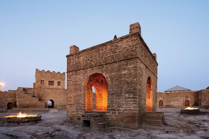 Fire Temple and Fire Mountain Tour, Baku, Azerbaidjão