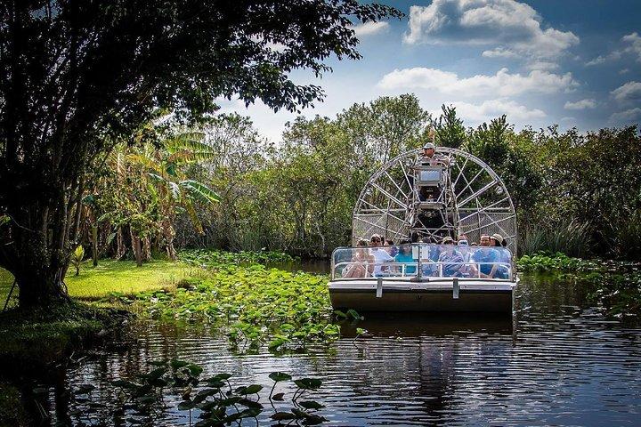Recorrido por la tarde por los Everglades de Miami con paseo en hidrodeslizador y espectáculo, Miami, FL, ESTADOS UNIDOS