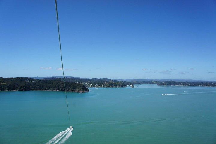 Parasailing Adventure Over the Bay of Islands, Bahia de Islas, NUEVA ZELANDIA