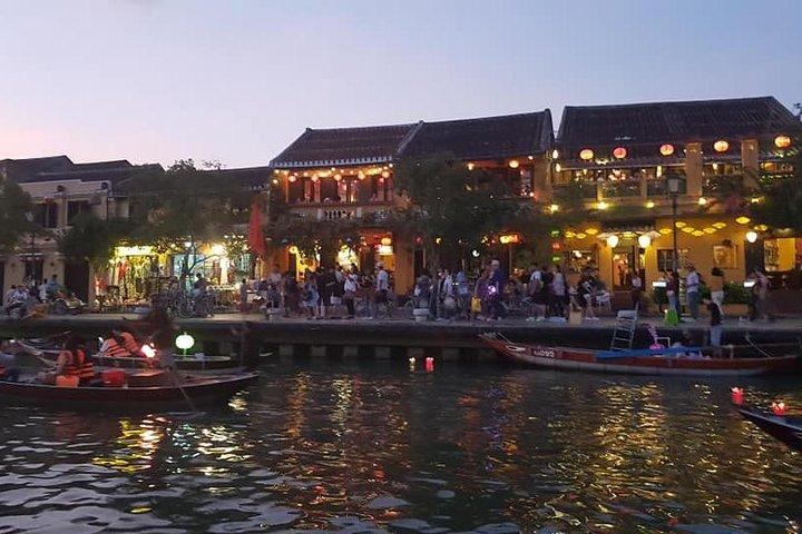 Discover Hoi An Walking Tour, Sampan Boat Ride, Night Market &Colourful Lanterns, ,