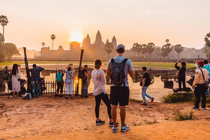 Angkor Sunrise Jeep Tour, Siem Reap, CAMBOYA